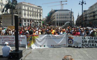 EL SECTOR DE LA CAZA SE CONCENTRA EN MADRID, CONTRA EL ACOSO DE LAS REDES SOCIALES
